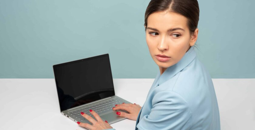 business women in front of a laptop